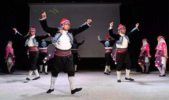 Konyaaltı Belediyesi Halk Oyunları ekibi hazır