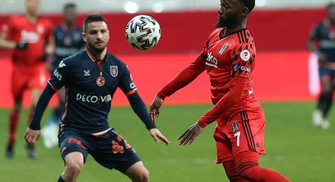 SON DAKİKA! Beşiktaş Başakşehir'i yenerek finale yükseldi