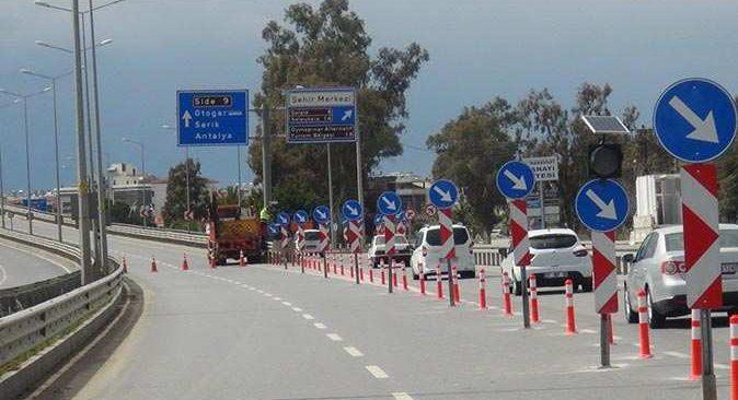 Manavgat'ta Sanayi Köprülü kavşağı trafiğe kapatıldı