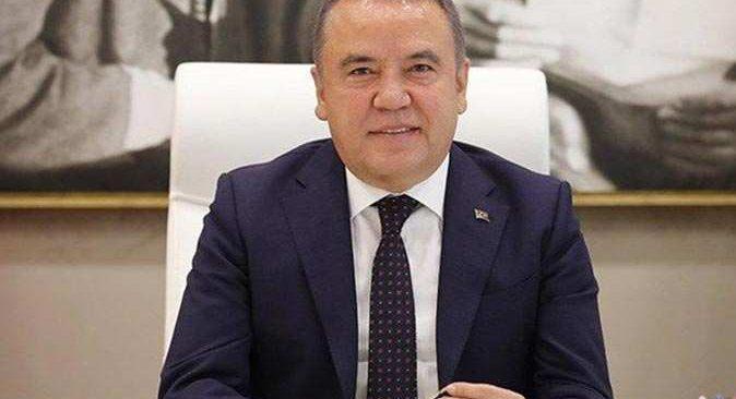 Antalya Büyükşehir Belediye Başkanı Muhittin Böcek'ten istifa açıklaması
