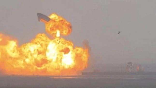 SpaceX'in uzay aracı Starship infilak etti
