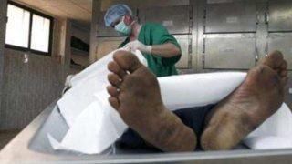 Hindistan'da genç adam otopsi masasından canlı kalktı