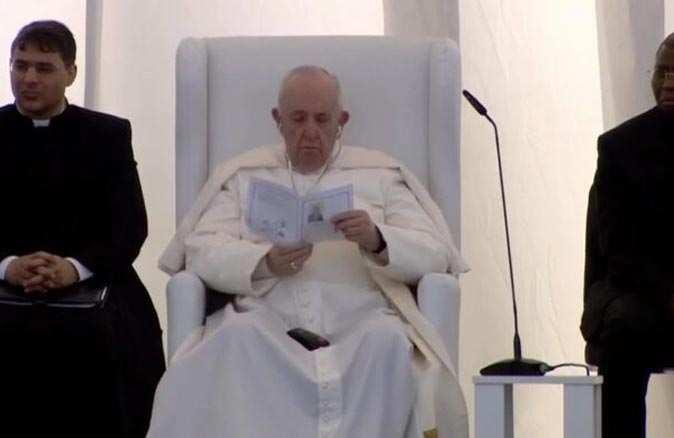 Papa Nasiriye'deki antik Ur kentinde Kuran-ı Kerim dinledi