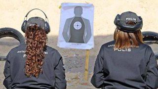 8 Mart Dünya Kadınlar Günü'nü atış poligonunda geçiren kadınların eğitimleri nefes kesti