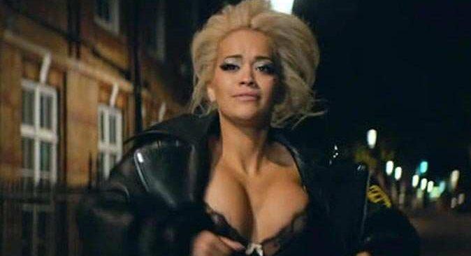 Ünlü şarkıcı Rita Ora jüriden kovuldu