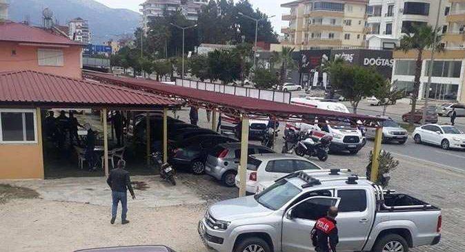 Mersin-Antalya yolu üzerinde çıkan alacak-verecek tartışması cinayetle bitti