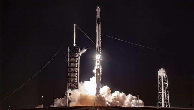 SpaceX, 60 Starlink uydusunu daha yörüngeye gönderdi