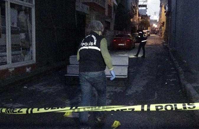 İzmir'de sosyal medyada başlayan tartışma kanlı bitti! Yaralılar var