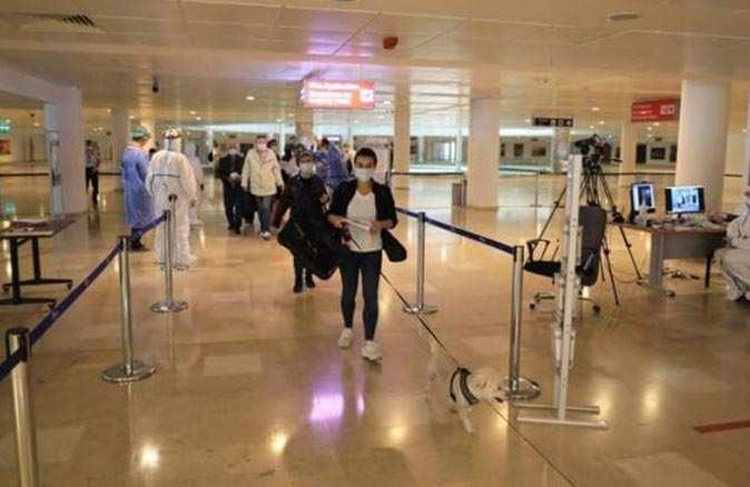 Koronavirüs test sonucunu göstermeyen Antalya'ya giremeyecek