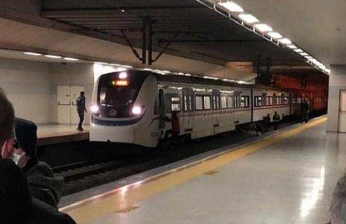İzmir'de trenin önüne atlayan genç hayatını kaybetti
