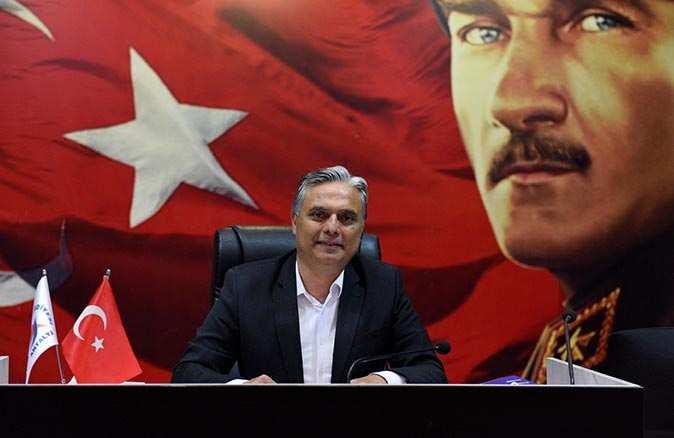 Muratpaşa Belediyesi Başkanı Ümit Uysal'a meclisten Bambus ve Narenciye desteği