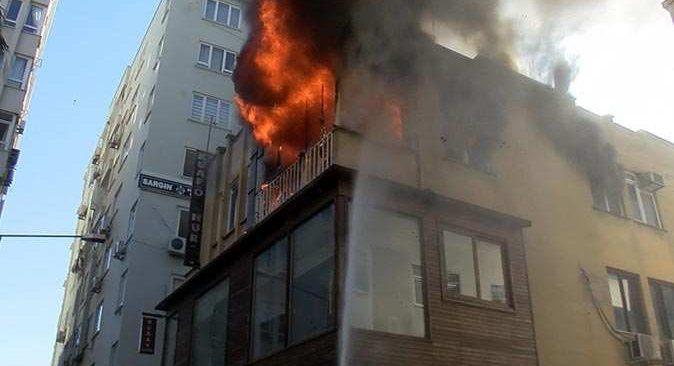 Antalya'da öğretmenin evi cayır cayır yandı