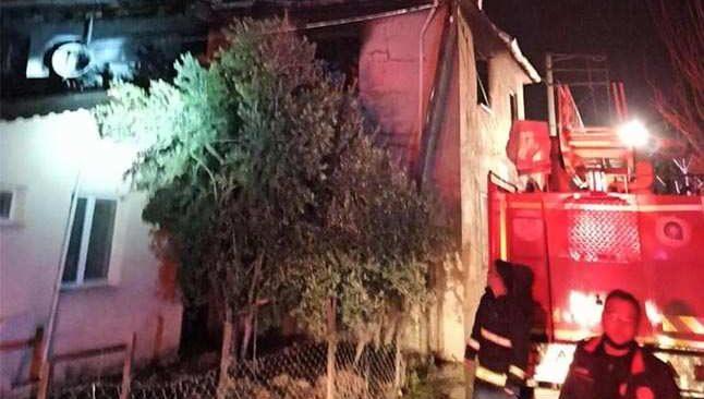 Kaş'ta korkutan ev yangını