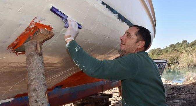 Yatlar ve balıkçı tekneleri yeni turizm sezonuna hazırlanıyor