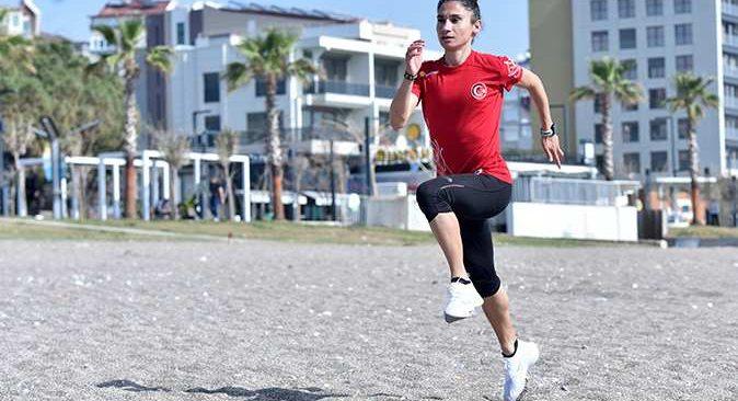 Şampiyon Yörük kızı Antalya'da Tokyo Olimpiyatları'na hazırlanıyor