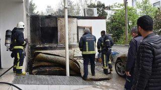 Antalya'da apart otelin bahçesinde yangın!