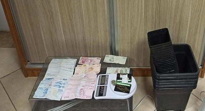 Antalya'da şüpheli araçta ele geçirildi! O şahıs tutuklandı