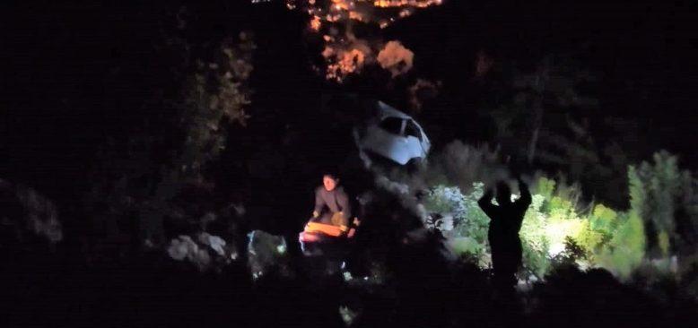 Antalya'da otomobil uçuruma yuvarlandı...
