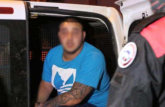 Antalya'da hakkında uzaklaştırma kararı bulunan adam eşinin evinde dehşet saçtı