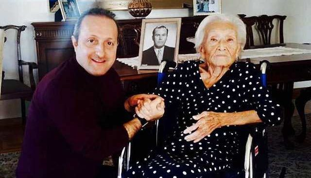 Eski Maliye Bakanının eşi Antalya'da vefat etti