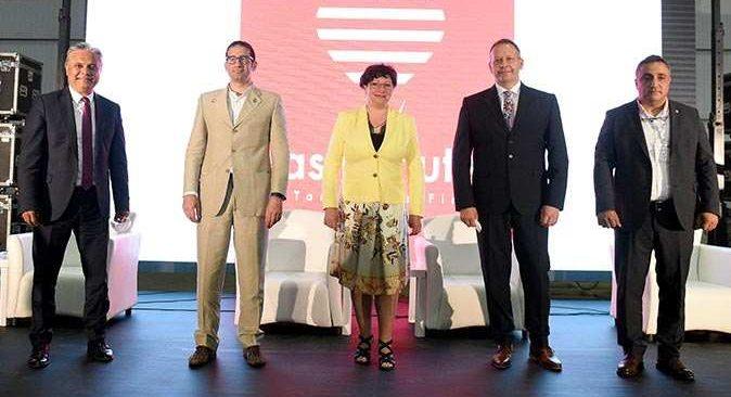 Başkan Ümit Uysal, 'Antalya sihirli bir yer'