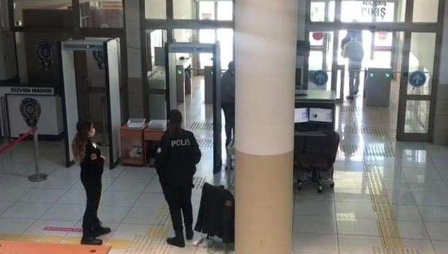 Antalya'da avukatlara x-ray cihazı şoku! Çantalarını geçirmeyince…