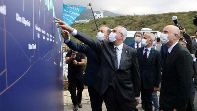 Bakan Karaismailoğlu Alanya'da şantiyeleri denetledi