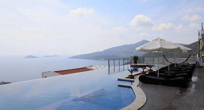 Antalya'da 50 bin liraya, koronavirüsten uzak tatil