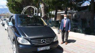 Kemer Belediyesi araç desteğini sürdürüyor