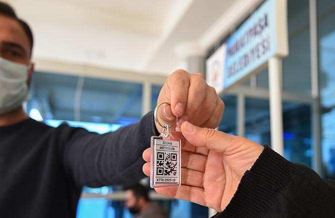Muratpaşa Belediyesi HES kodlu anahtarlık dağıtımı sürüyor