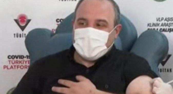 Bakan Mustafa Varank'a yerli koronavirüs aşısı yapıldı