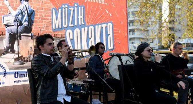 Muratpaşa'da 200'ün üzerinde müzisyen yeniden dinleyicileriyle buluşacak