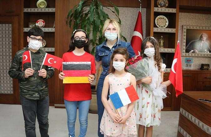 Rektör Özlenen Özkan konservatuvar öğrencilerini ağırladı