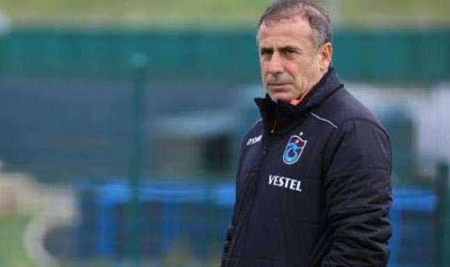 Trabzonspor'da Abdullah Avcı hastaneye kaldırıldı