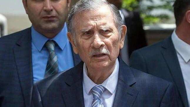 Eski başbakanlardan Yıldırım Akbulut, hayatını kaybetti