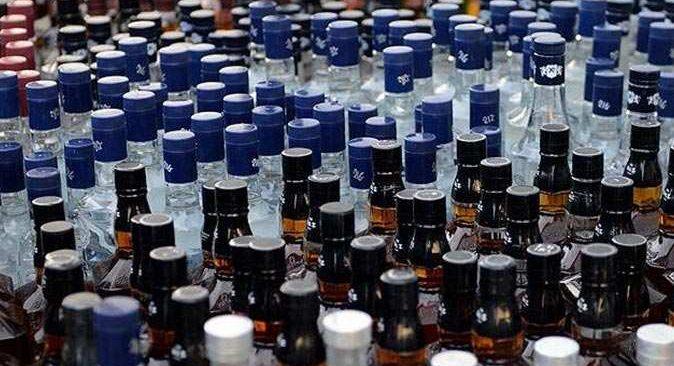 Antalya'da sahte içki operasyonu! Litrelerce ele geçirildi