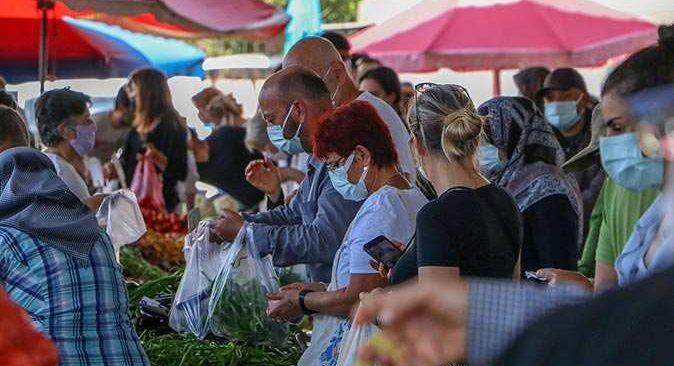 Antalya'da 17 günlük kapanma öncesi korkutan kalabalık!