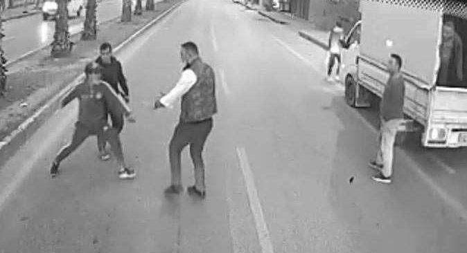 Antalya'da otobüs şoförünü bıçakla tehdit etmişlerdi! Yakalandılar