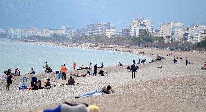 Antalya'da kısıtlamaya uymayanlara ceza yağdı