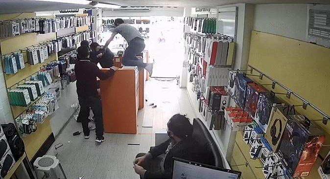 Antalya'da kardeşlerinin eşini öldüresiye dövdüler