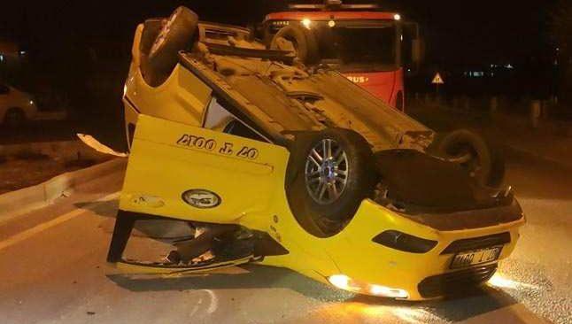 Antalya'da ticari taksi takla attı, sürücünün burnu bile kanamadı