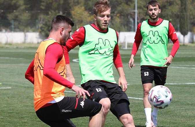 Antalyaspor Rizespor'u 4 eksikle ağırlayacak