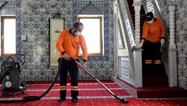 Muratpaşa'da 152 cami dezenfekte edildi