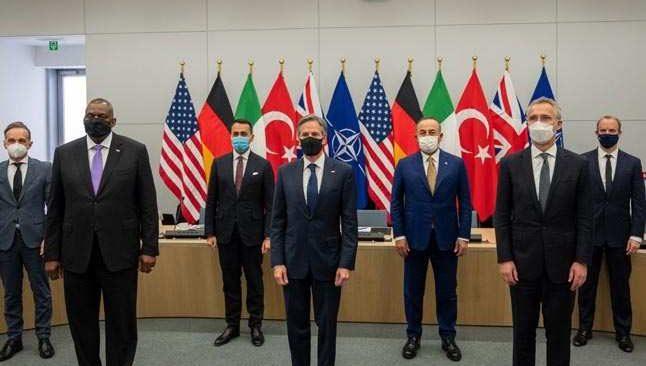 Bakan Mevlüt Çavuşoğlu, NATO Konseyi Toplantısına katıldı