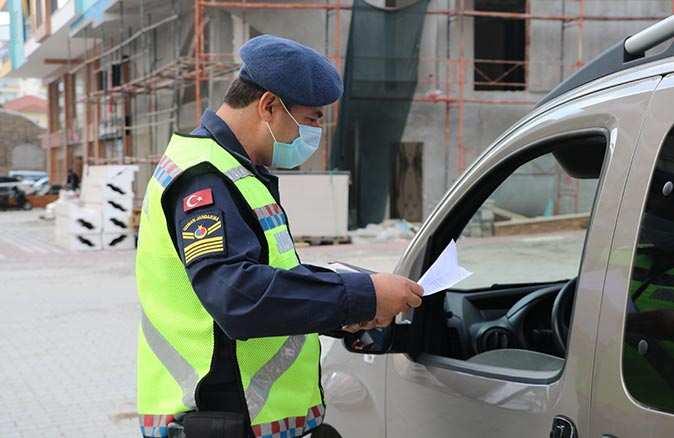 Alanya'da kısıtlama ihlaline binlerce lira ceza yağdı