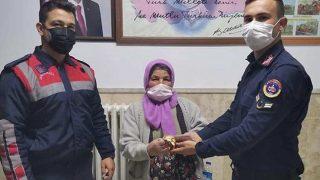 Antalya'da güvenlik görevlisi yalanıyla dolandırıldı! Jandarmadan kaçamadı...