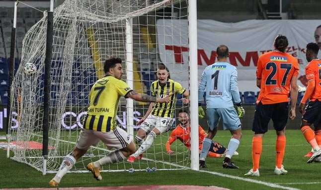 Fenerbahçe geri döndü... Fark 2'ye indi