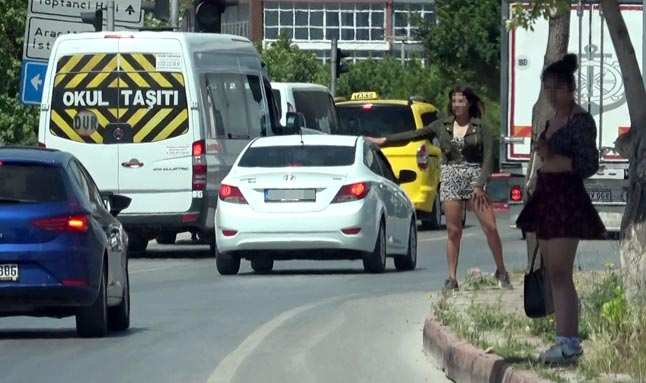 Antalya'da yasağa rağmen fuhuş pazarlığı tam gaz
