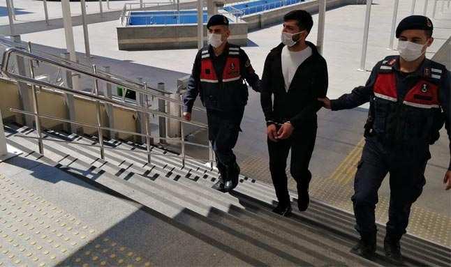 Antalya'da 12 yıl kesinleşmiş hapis cezasıyla aranan şahıs yakalandı