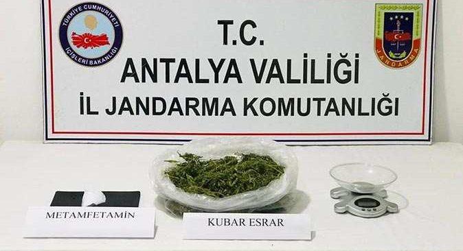 Antalya'da jandarmadan zehir tacirlerine operasyon!